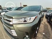 Toyota Highlander 2017 XLE 4x2 V6 (3.5L 6cyl 8A) Green | Cars for sale in Lagos State, Apapa