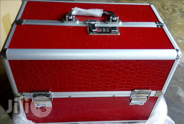 Makeup Box With 3 Compartments