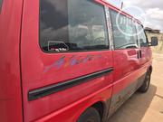 Volkswagen Transporter 2000 Red | Buses & Microbuses for sale in Lagos State, Egbe Idimu