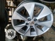 Original 17 Inch Alloy Wheel for Toyota Cars | Vehicle Parts & Accessories for sale in Lagos State, Yaba