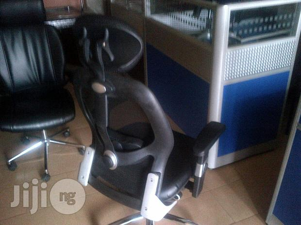 Quality Office Boss Chairs And Workstations Desk
