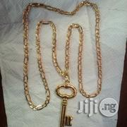ITALY 750 18krt Tested Gpld Cuban Doggy Design Wit Key Pendant   Jewelry for sale in Lagos State, Lagos Island