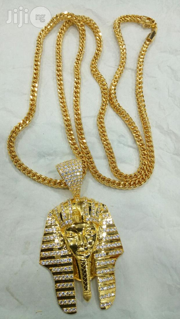 Italy Gold 18karat Chain And Pendant