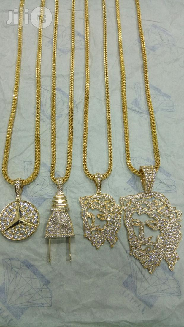 Pure Gold 750 Italy Gold 18karat New Design Chain And Pendant
